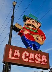 La Casa Pizzaria, Omaha, NE (Robby Virus) Tags: omaha nebraska ne lacasa pizzaria pizza sign signage neon chef cocktail lounge italian neapolitan
