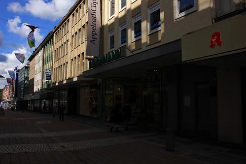 """In der Holstenstraße (17) • <a style=""""font-size:0.8em;"""" href=""""http://www.flickr.com/photos/69570948@N04/32934630557/"""" target=""""_blank"""">Auf Flickr ansehen</a>"""