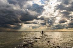 Waarde (Omroep Zeeland) Tags: westerschelde waarde strekdam golfslag wolkenlucht zeeland nederland