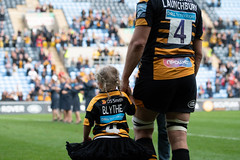 Joe and Blythe Launchbury (davidhowlett) Tags: ricoharena quins wasps coventry waspsrugby gallagher ricoh rugbyunion pre rugby iership harlequins