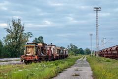 Abandoned diesel shutners, Zagreb RK (josip_petrlic) Tags: croatian railways railroad railway hrvatske željeznice hž željeznica železnice eisenbahn ferrovia locomotive locomotora lok lokomotiva diesel 2041 hz