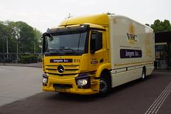 Mercedes-Benz Antos VHC Jongens B.V.  E13 met kenteken 99-BHJ-6 in Uithoorn 18-05-2019 (marcelwijers) Tags: mercedesbenz antos vhc jongens bv e13 met kenteken 99bhj6 uithoorn 18052019 mercedes benz trucks lkw camion nederland niederlande netherlands pays bas