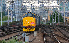 37409 (Keith Valla) Tags: drs class 37 number 37409 climbs bethnal green bank its way norwich