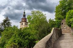 Le clocher à bulbe de Conflans (Savoie 05/2019) (gerardcarron) Tags: batiments canon80d church ciel cloud eglise landscape nuages printemps savoie albertville