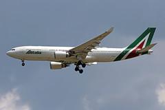 A330-202.EI-EJG-1 (Airliners) Tags: alitalia 330 a330 a3302 a330200 a330202 airbus airbus330 airbusa330 airbusa330200airbus iad eiejc 51619