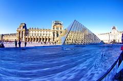 509 Paris en Mars 2019 - La Pyramide du Louvre et JR, 30eme anniversaire (paspog) Tags: paris france louvre lelouvre pyramide pyramidedulouvre jr 30emeanniversaire mars march märz 2019