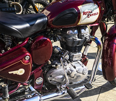 shiny shiny (Redheadwondering) Tags: sonya7rii 119picturesin2019 21chrome 21 chrome motorbike royalenfield canon40mmf28