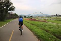 松山自行車道.麥帥一橋 (nk@flickr) Tags: friend taipei cycling 台北 taiwan 20190519 台湾 bobby 台灣 canonefm1545mmf3563isstm