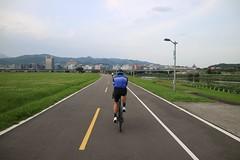 松山自行車道.內湖方向 (nk@flickr) Tags: friend taipei cycling 台北 taiwan 20190519 台湾 bobby 台灣 canonefm1545mmf3563isstm