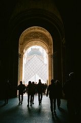 Louvre (J-CIO) Tags: 2019 35mm 35mmfilm analog film france kodak leica leicam6 paris portra400 summilux35mm