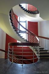 S chnell aufwärts (Sockenhummel) Tags: treppe treppenhaus stairs stairway geländer escaliers staircase architektur architecture fuji xt10 spirale wendeltreppe stairwell stufen steps