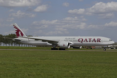 A7-BAZ AMS 24.04.2019 (Benjamin Schudel) Tags: a7baz boeing 777300 qatar airways ams amsterdam international eham airport netherlands