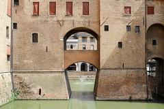 Ferrara-2 (e.berti93) Tags: ferrara architecture architettura art italy brick urban antico monumento castello estense piazza città bike
