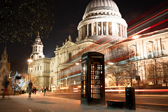 St. Pauls (gary h kapps) Tags: gb england uk urban ultron building night longexposure london londres colour traffic travel bus telephone street city cityscape voigtländer vehicle streets