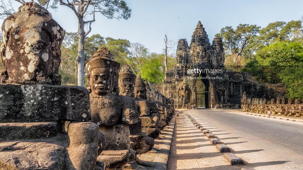 Gate at Wat Thom