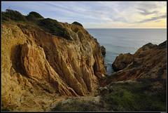 ... (LilFr38) Tags: lilfr38 fujifilmxpro2 fujifilmfujinonxf1024mmf4rlmois lagos algarve portugal pontadepiedade beach ocean wave rock plage océan vague rocher