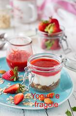 Breakfast (stgio) Tags: breakfast colazione sana salute yogurt cereali semidilino fragole frutta fruttadistagione primavera merenda food foodphotography foodstyling stilllife