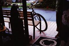 来客 (frenchvalve) Tags: 来客 自転車 雨 customer bicycle rain film filmphotography analog 35mm