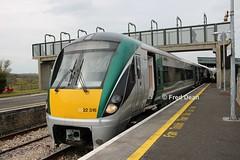Irish Rail ICR Set 16 in Claremorris. (Fred Dean Jnr) Tags: iarnrodeireann intercityrailcar irishrail icr 22016 claremorrisstationmayo april2019 railcar dmu dieselmultipleunit claremorris mayo mgwr midlandgreatwesternrailway