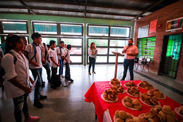 Entrega de útiles escolares junto a Teleperformance - Esc. San José | ABR 2019