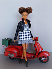 Who wants to ride with me? 😊 (Deejay Bafaroy) Tags: barbie aa doll puppe mattel mtm mtmbody madetomove portrait porträt red rot black schwarz white weiss vespa miniatur 16 scale playscale miniature yellowtop