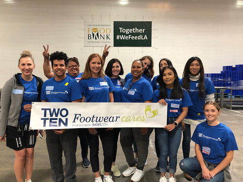 """LA Footwear Cares volunteers at the LA Regional Food Bank • <a style=""""font-size:0.8em;"""" href=""""http://www.flickr.com/photos/45709694@N06/33738599748/"""" target=""""_blank"""">View on Flickr</a>"""