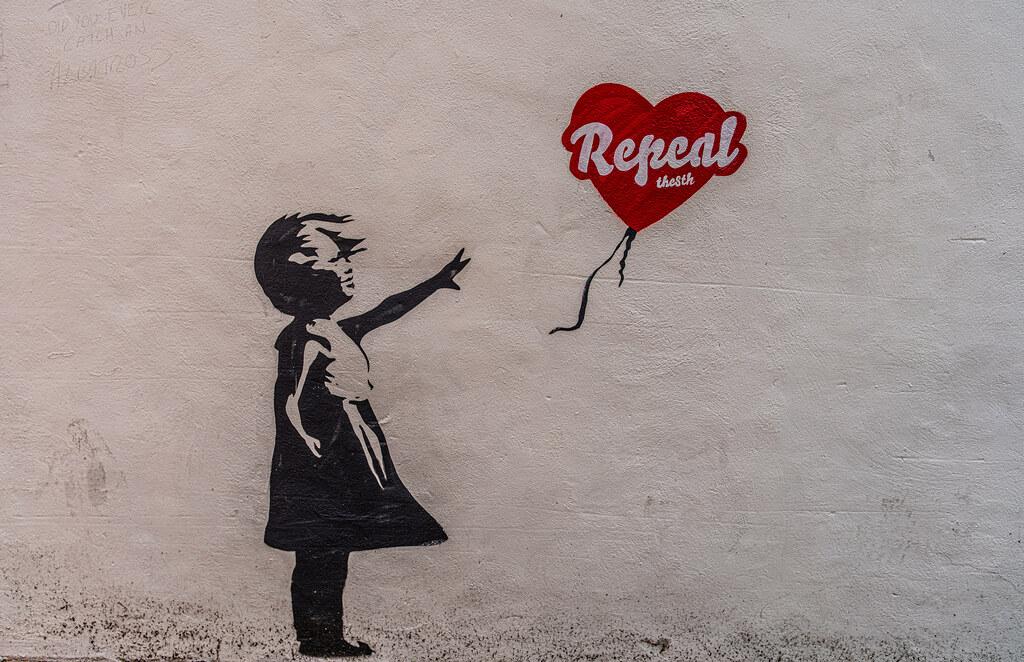 REPEAL THE GIRL WITH THE BALLOON [DUBLIN STREET ART]-151613