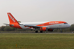 G-EZRT Airbus A320-214S easyJet Airline Company MAN 15APR19 (Ken Fielding) Tags: gezrt airbus a320214s easyjetairlinecompany aircraft airplane airliner jet jetliner