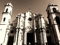 Havana Cathedral (Carlos A. Aviles) Tags: sepia monochrome havana cuba cathedral catholic catedral catolica religion architecture arquitectura colonial