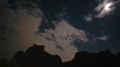 Noite com nuvens e lua na Pedra da Gávea. (Claudia_Orlanda) Tags: mountain moon lua montanhas montanha pedradagávea nuvens céunublado sky céu landscape noite dream