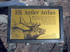 Jackson Hole, WY (pr0digie) Tags: jacksonhole wyoming downtown elk antler arch arches sign information