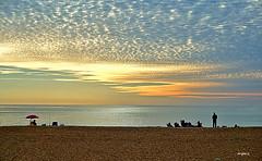 Feliz Martes amigos!! (ZAP.M) Tags: nwn atardecer puestadesol playa sanctipetri mar cielo nubes orilla chiclana cádiz andalucía españa zapm mpazdelcerro sony sonyevil sonya5100