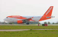 Easyjet G-EZII Airbus A319-111 on Runway 05 at Durham Tees Valley Airport MME England UK Crew Training (thelastvintage) Tags: easyjet gezii airbus a319111 durham tees valley airport mme england uk crew training durhamteesvalleyairport teessideairport runway 05