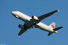 pl02juin18aca32025 (lanpie012000) Tags: montreal montréal yul cyul aircanada airbusa320211 cfnvv fin416