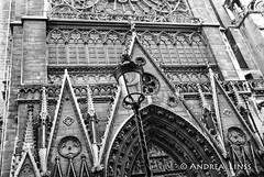 paris ... (andrealinss) Tags: frankreich france paris schwarzweiss street streetphotography streetfotografie detail bw blackandwhite analog andrealinss leicam6 leica notredame