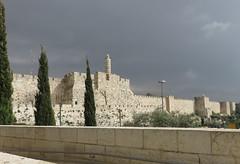 Jerusalem on a rainy day. (Traveling with Simone) Tags: israel israël jerusalem wall remparts ramparts mur minaret ifs nuageux rainy pluvieux jerusalemstone