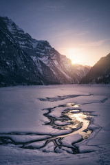 Winter Shadows and Light (Manuel.Martin_72) Tags: glarus swissalps switzerland alpenglow darkmood drama enchanting fairytale lightdrama magic majestic mysterious hills hilly ice iceblocks lake mountainpeaks mountainslope mountains rocks stones valley frozen reflections snow water waterreflections snowy evening sunset klöntalersee
