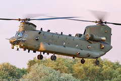 ZK559 - 2015 build Boeing-Vertol Chinook HC.6, arriving at Barton (egcc) Tags: barton boeingvertol chinook cityairport egcb hc6 helicopter lightroom m7710 manchester military n710uk raf royalairforce zk559