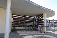 Local vélo gare routière modif © BB (villenevers) Tags: vélo localvélo accrochevélo parking cycle gare sncf garageàvélos garagevélo