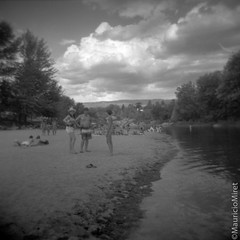 Holga-Acros-01-03.jpg (Mauricio Miret) Tags: epsonv600 holga acros100 ilfosol silverscan bw film blackandwhite