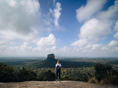 Oh what a view... (davYd&s4rah) Tags: pidurangala sigiriya rock fels srilanka ceylon asia northernhemisphere view aussicht asien holiday wide weite olympusem10markii laowa75mmf20 weitwinkel wideangle sky trees forest wald person teamolympus landscape landschaft panorama lonely einsamkeit spring green