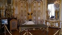 Chantilly, Oise - France (Mic V.) Tags: château de chantilly chateau castle renaissance building architecture french history histoire france oise grand cabinet monsieur le prince furniture condé conde duke duc bourbon