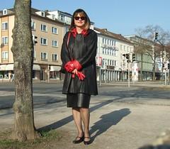 Kassel city (Marie-Christine.TV) Tags: feminine transvestite lady mariechristine leather skirt coat gloves lederhandschuhe lederswinger lederrock dame elegant tgirl tgurl stockings strümpfe nylons