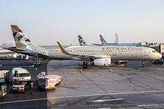 A6-AEJ / Etihad Airways / Airbus A321-231(WL) (Charles Cunliffe) Tags: canon7dmkii aviation abudhabiinternationalairport omaa auh etihadairways etd ey airbusa321 a321200 a6aej