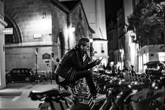 DSCF3182 (::nicolas ferrand simonnot::) Tags: leitz summilux r 50mm f14 6 blades iris leica paris street photography streetphotography light depth field vintage manual fixed length prime lens german germany west bokeh bw black white darkness contrast monochrome personnes candid underground dark viltrox effx speed booster 071x 2019 lemarrais velib bike night
