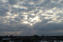 Heavenly Glory (Flint Foto Factory) Tags: chicago illinois urban city spring april 2019 north edgewater granville sheridan wednesday evening pm sky clouds towardthesky beautiful ray light heaven heavenly glory easter west westward feelsgood cloudy