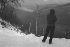 Winter sight (lumpy79) Tags: praktica mtl5 helios44m 258 ilford hp5 400 1600 winter sight duna dobogókő hó tél danube snow blackandwhite bw push film pilis