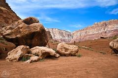 DSC_0561 (classic77) Tags: giant boulders desert