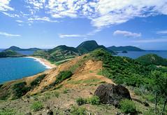 Guadeloupe, Les Saintes (eloaxe) Tags: guadeloupe lessaintes meer nature water island outside landscape frankreich analog classic film fujivelvia velvia