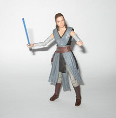 rey jedi training star wars the black series 6 inch action figure #44 the last jedi wounded right arm version variant hasbro 2017 p (tjparkside) Tags: rey jedi training wounded right arm variant version star wars black series 6 inch action figure 44 last hasbro 2017 episode eight 8 viii tlj bo staff blaster pistol lightsaber hilt blue grey luke skywalker ahchto ahch basic figures
